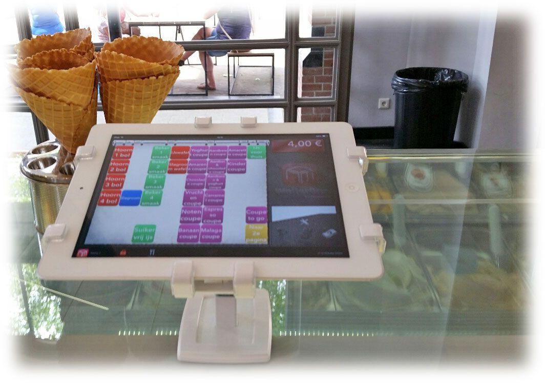 tablet-als-kassa-met-grip-houder-voor-beveiliging